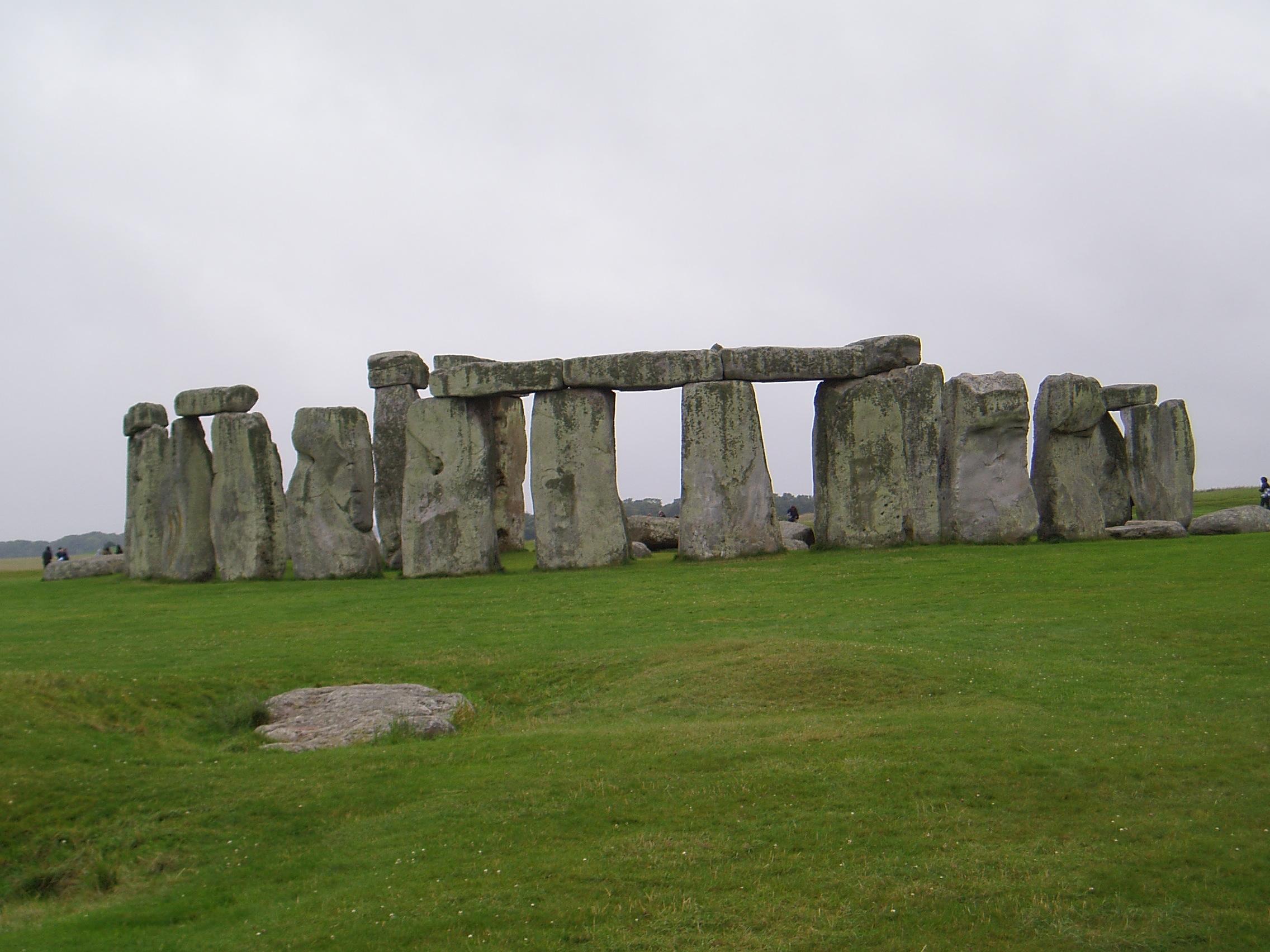 cdc35c7e3e4a0c Stonehenge, Südengland (Grafschaft Wilshire, in der Nähe des Ortes  Amesbury). Von Menschen der Jungsteinzeit vor über 5000 Jahren gebaut (das  bekannteste ...